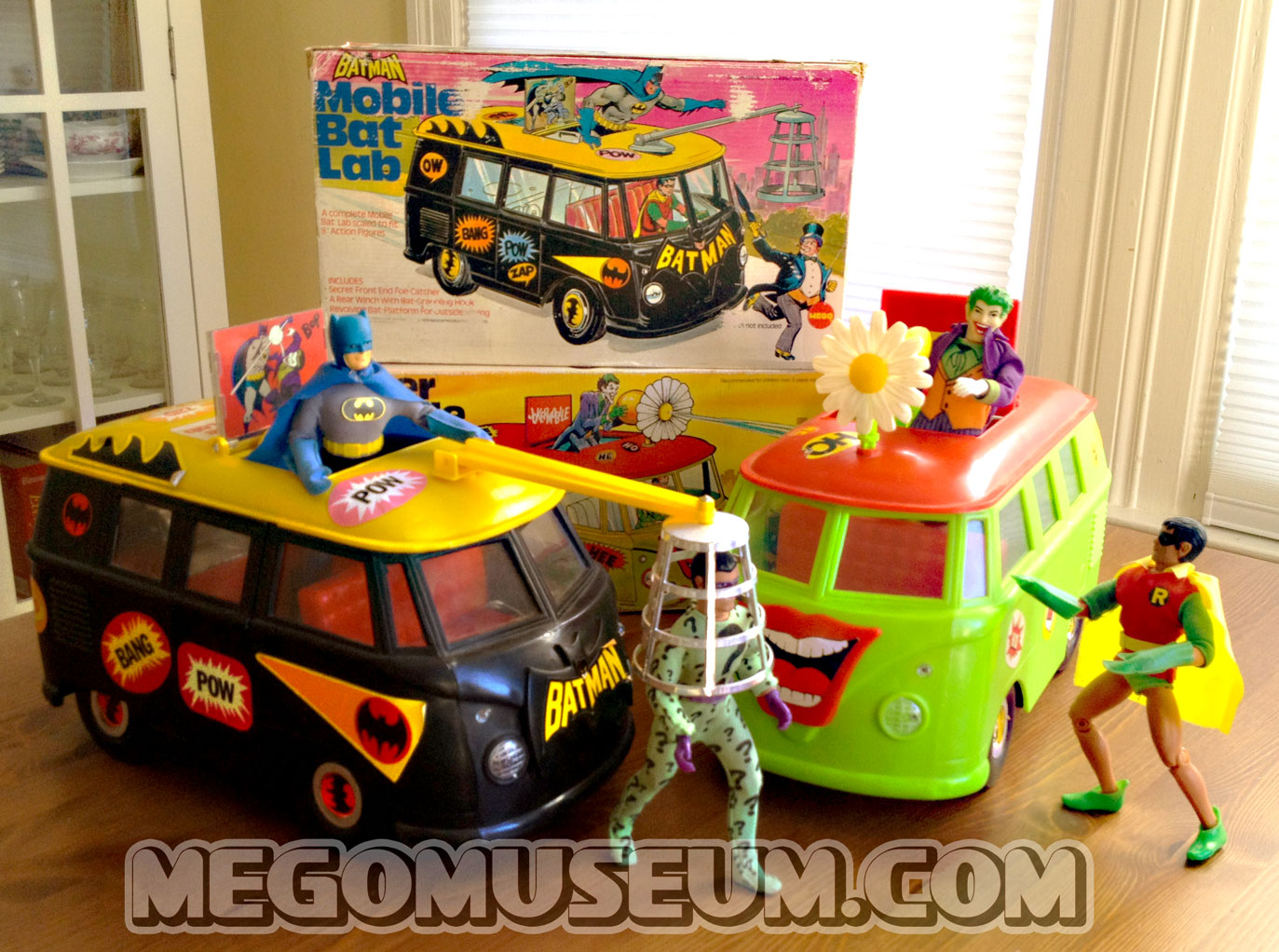 Mego_Batlab_Jokermobile