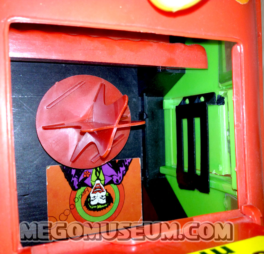 mego_Jokermobile_Stand