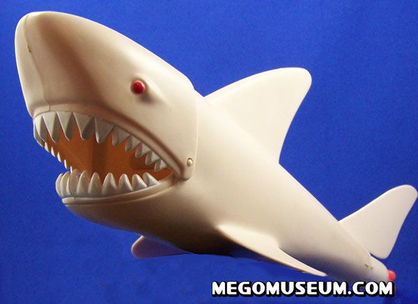 Mego Aquman VS Great White Shark